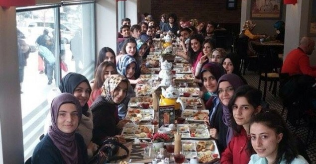 Atatürk Eczacılık 2.Sınıflardan Vize Öncesi Etkinlik