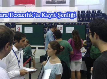 Marmara Eczacılık'ta Kayıt Şenliği